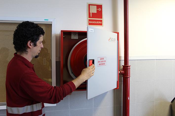 Conoce la boca de incendio equipada soler prevenci n for Medidas contra incendios