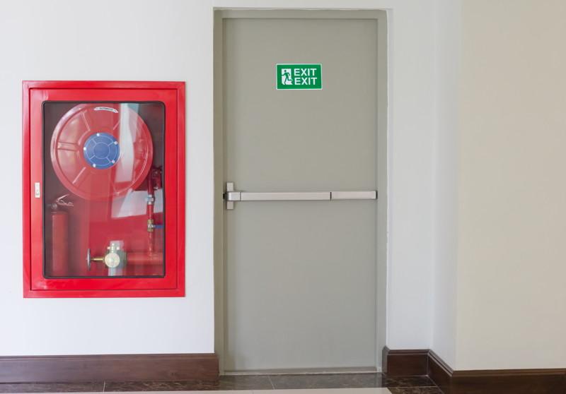 Puertas cortafuegos qu son qu funci n tienen for Puertas contra incendios
